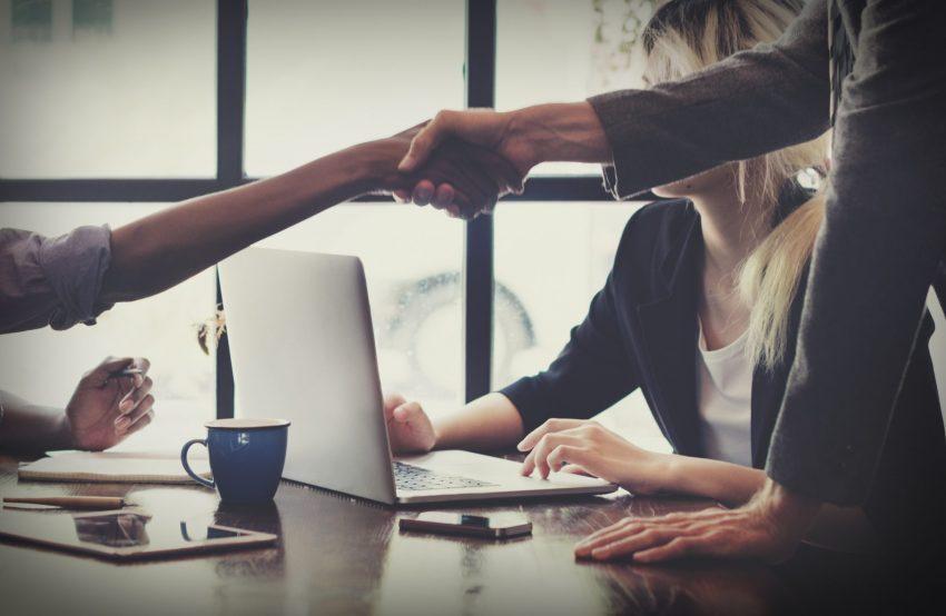 Successfl meeting, shaking hands on deal